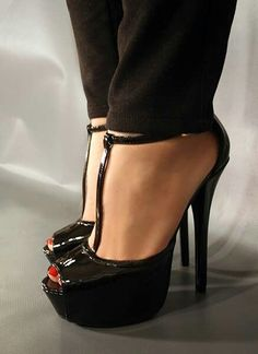 high heels – High Heels Daily Heels, stilettos and women's Shoes Platform High Heels, Black High Heels, High Heels Stilettos, High Heel Boots, Stiletto Heels, Bedroom Heels, Talons Sexy, Beautiful High Heels, Spike Heels