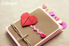 Craftingeek*: Pocket Stand-up Album: Scrapbook de Amor y amistad