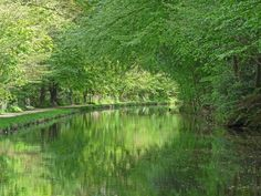 https://flic.kr/p/H7hj7S   Leeds and Liverpool Canal