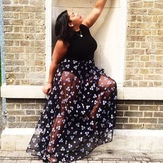 Blogger @chloepierre_ldn has paired our staple black ribbed polo neck with this skirt for a stylish date night look.  Now on sale for £18.85, it's a vital piece for all fashionista's wardrobes!  #ELVI #ss16 #poloneck #top #datenight #fashion #psbloggers #psblogger #clothing #love #style #sale #plussize #plus #curve #plussizefashion #whattowear