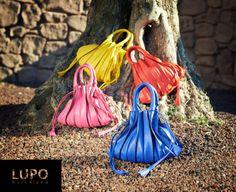 Lupo barcelona sarabiaphoto Bag Design, Beautiful Bags, Bucket Bag, Purses And Bags, Barcelona, Pouch, Handbags, Shoe Bag, Shoes