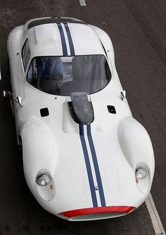 1961 Maserati Tipo 151 Coupe | 4.0L V8 | Cunningham Racing Team Livery | In terms of success and aesthetics, the Type 151 was a far cry from its predecessor - the 1960 Maserati Tipo 61 | Maserati...