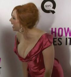 Christina Hendricks SHows Her Huge