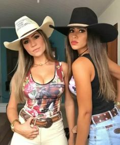 Sexy Cowgirl Outfits, Country Outfits, Cowgirl Style, Cute Outfits, Cute Country Girl, Looks Country, Country Women, Vaquera Sexy, Rodeo Girls