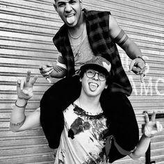 Richard et Christopher ❤❤ Teen Wolf, Cnco Richard, Just Pretend, T Shirts For Women, Photo And Video, Guys, My Love, Celebrities, Beautiful