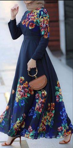 #hijab #style #prom #hijabfashion #fashion #hijabstyle #hijaboutfit #hijabtutorial #hijabdress Modest Long Dresses, Modest Maxi Dress, Best Maxi Dresses, Casual Dresses, Hijab Casual, Cape Dress, Hijab Dress, Shirt Dress, Muslim Women Fashion