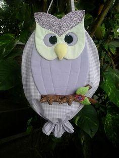 Puxa-Saco Coruja. Confeccionado em tecido 100% algodão com forro. R$ 75,00