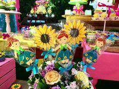 Os detalhes de ontem para Marcela e Kamila! Os biscoitos decorados por @chefanaclaudiafarias! #Elsa #PrincesaElsa ☃🌻💛💗#Frozen #FrozenFever #FestaFrozenFever #decoraçaofrozenfever #frozenfeverparty #Festas #Festasinfantis #DeCoração #Party #kidsparty #partydecor #InstaFesta #instaparty #instacelebrate #CasinhaFeliz #CasinhaFelizfestas #CasinhaFeliz30anos