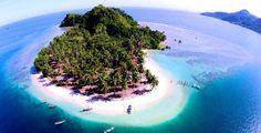 SPORTOURISM — Mandeh, destinasi wisata di Sumatera Barat, akan menjadi kawasan ekonomi khusus (KEK) pariwisata. Hiramsyah Sambudhy, ketua Kelompok Kerja (Pokja) Percepatan 10 Bali Baru, menga…