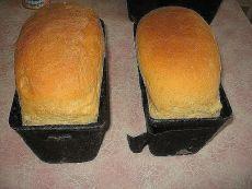 """15 рецептов несладкой выпечки: 1. Рецепт хлеба 2. Любимый бабушкин """"Курник"""" 3. Хачапури """"Проще не бывает"""" 4. Шаньги 5. Киш с грибами и сыром 6. Домашний хлеб на кефире 7. Мясные кексы с сырной начинкой 8. Мясной кекс 9. Эчпочмак 10. Лепёшки с сырной начинкой       11. Хачапури к завтраку 12. Сырные лепёшки  13. Пампушки с чесноком 14. Сырный хлеб 15. Гриссини"""