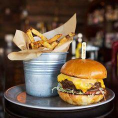 8 oz Burger Bar: Classic 8oz Burger Combo