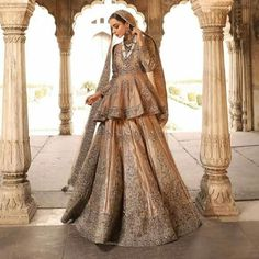 Find the most loved and trending bridal lehenga designs of Stunning bridal lehengas for this wedding season you must check out once. Pakistani Wedding Outfits, Pakistani Bridal Dresses, Pakistani Wedding Dresses, Nikkah Dress, Bridal Outfits, Indian Outfits, Bridal Gowns, Golden Bridal Lehenga, Velvet Pakistani Dress