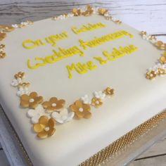 Love this simple but elegant golden wedding anniversary cake #anniversarycake #goldenweddingcake #bespokecakes #cakeshop #mad4cakes