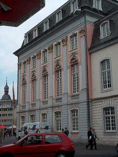 Bonn, altes Rathaus von der Seite