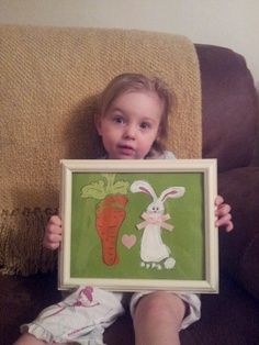 Super cute Easter footprint art, bunny and carrot. Baby Crafts, Toddler Crafts, Fun Crafts, Crafts For Kids, Arts And Crafts, Easter Art, Hoppy Easter, Easter Crafts, Easter Ideas