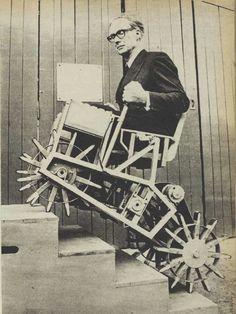 """Una de las primeras sillas de ruedas """"subidora de escaleras"""" (1964)"""