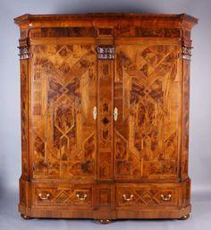 barockschrank augsburg um 1750 nussbaum grosser zweituriger barockschrank im unterenbereich mi mobel lampen spiegel einrichtung bauernschrank