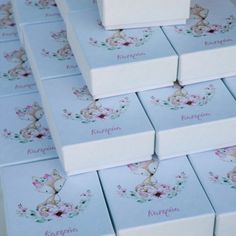 little fox Little Fox, Baptisms, Favors, Flowers, Gifts, Presents, Presents, Guest Gifts, Royal Icing Flowers