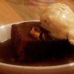 #dessert #friedbananabread #vanillaicecream #banana #walnut #walnuts #syrup #maplesyrup #bananabread #food #foodporn