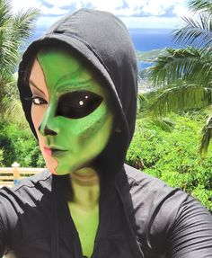 Alien Make-up, Cute Alien, Alien Halloween Makeup, Halloween Kostüm, Thor, Egyptian Makeup, Holiday Makeup Looks, Makeup Tutorials Youtube, Festival Costumes