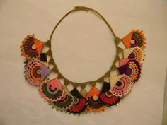 New-tig-isi-necklace-models.jpg × Best Picture For crochet accessories for men For Your Taste You are looking for something, and it is going to tell. Textile Jewelry, Fabric Jewelry, Col Crochet, Crochet Accessories, Beautiful Crochet, Handicraft, Crochet Projects, Crochet Earrings, Crochet Patterns
