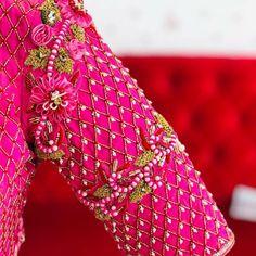40 check blouse design to inspire you this season - Wedandbeyond Cutwork Blouse Designs, Wedding Saree Blouse Designs, Pattu Saree Blouse Designs, Stylish Blouse Design, Fancy Blouse Designs, Dress Neck Designs, Wedding Blouses, Blouse Patterns, Hijab Outfit
