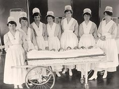 Nursing Practitioner Quotes Printing Education For Kids Printer History Of Nursing, Medical History, Vintage Nurse, Vintage Medical, Nurse Pics, Nurse Photos, Oldschool, Nursing Notes, Nursing Students
