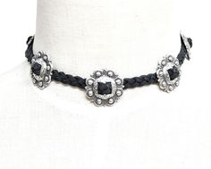 The Dusty Choker