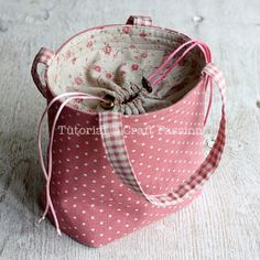 I like the method for adding drawstring closure. Could be used on any bag pattern.