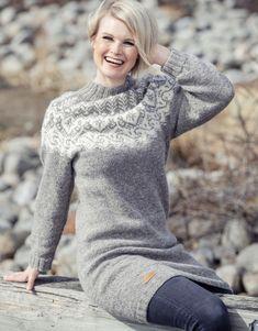 Saimaa neulemallisto suomalaisen lampaanvillasta. Villa, Turtle Neck, Sweaters, Shopping, Fashion, Tunic, Moda, Fashion Styles, Sweater