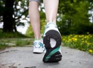 Trend: Barfuß-Schuhe Hightech-Laufschuhe haben Konkurrenz bekommen: Die trendigen Barfuß-Schuhe bescheren uns einen ganz natürlichen Auftrit...