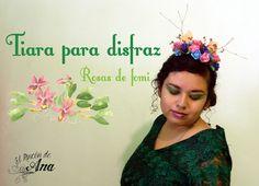 Tiara para disfraz con rosas de fomi Crown, Jewelry, Carnival, Flower Tiara, Costume, Lets Go, Roses, Corona, Jewlery