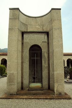 Tomba Stecchini, Como  Giuseppe Terragni, 1932    Tomba Pirovano, Como  Giuseppe Terragni, 1936