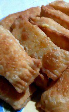 Παραδοσιακά κρητικά κολοκυθοπιτάκια με χειροποίητο τραγανό φύλλο Roses Menu, Cheese Pies, Snack Recipes, Snacks, Greek Recipes, No Cook Meals, Finger Foods, Apple Pie, Macaroni And Cheese
