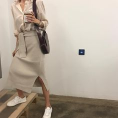 Find images and videos about fashion, vintage and grunge on We Heart It - the app to get lost in what you love. Modest Fashion, Fashion Outfits, Womens Fashion, Fashion Trends, Fashion Ideas, Fashion Tips, Look Fashion, Korean Fashion, Spring Fashion