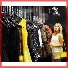 Linda e gravidíssima, a blogueira Nati Vozza passou pelo Fashionroom São Paulo nesse primeiro dia de temporada Outono 2015! O #fashionroomsp tem #atacado da By NV, marca dela. Agende sua visita pelo +55 11 3052-1033! #Fashionroom #showroom #fashion #moda #nativozza #bynv #multimarcas