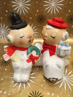Vintage Kelvins Exclusives Seated Snowman Couple Salt pepper shaker set. Kevins Exclusives Japan Sticker on the bottom of the pieces. Start a