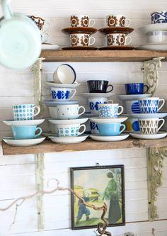 Suloinen mummolatunnelma syntyy mökille väreillä, tekstiileillä ja vanhoilla tavaroilla. Katso Meidän Mökin valinnat ja poimi teille sopivat ideat!