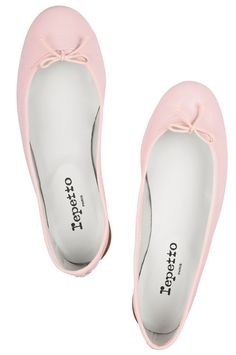 Sweet #pink leather ballet flats http://rstyle.me/n/eqzaur9te