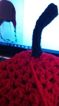 【かぎ針8号】100均ミーツ素材でりんごニット帽を編んでみよう!無料編み図有り!