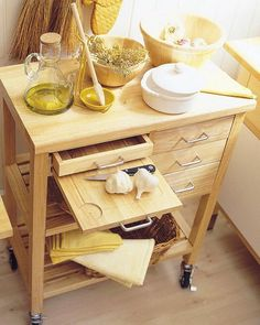 Pull-out kitchen drawers and shelves is a perfect organizing solution for any kitchen. Kitchen Cupboard Doors, Kitchen Drawers, Kitchen Shelves, Kitchen Storage, Beautiful Kitchens, Cool Kitchens, Kitchen Interior, Kitchen Design, Kitchen Decor