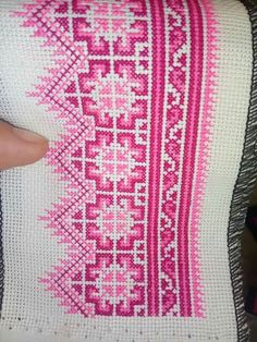 Pink tone Embroidery Art, Embroidery Stitches, Embroidery Patterns, Sewing Patterns, Cross Stitch Designs, Cross Stitch Patterns, Palestinian Embroidery, Pink Tone, Cross Stitching