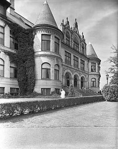 Denny Hall front entrance, the first building on the present University of Washington campus, Seattle, Washington by UW Digital Collections, via Flickr