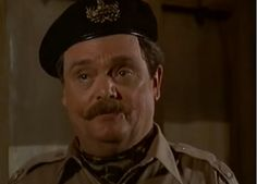 Major Ross (Bernard Fox) arrives at M*A*S*H 4077 Bernard Fox, Fandoms, Actors, Fandom