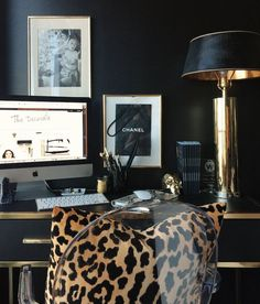 I LOOOOVE this home office design!💻 ✍️😍 Drop a pic of your home office or Dream home office boss babes! Working on my photo editing skills as u can see 😜🧐😁 (Anything the mind can conceive it can Acheive) . Home Office Design, Home Office Decor, House Design, Office Ideas, Office Chic, Office Nook, Office Furniture, Furniture Ideas, Stylish Office
