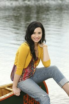 On RespectPoint you can write a message to Demi that we will share in a pin on our board #RespectLovatics. Click through on the pin above to visit RespectPoint if you'd like to join in and write your message. Thanks <3
