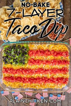 No-Bake 7 Layer Taco Dip in Flag Shape - such a fun and patriotic dip for Memorial Day, 4th of July, and Labor Day! Can just layer the dip ingredients if not serving for a patriotic holiday. Refried beans, diced green chiles, guacamole, taco seasoning, sour cream, corn, cheese, tomatoes, green onions, and olives. Can add ground beef, chicken, lettuce, onions, bell peppers - whatever you like! Make in advance and refrigerate for later. Low Carb Appetizers, Appetizer Dips, Cream Cheese Taco Dip, Corn Cheese, Taco Dip With Meat, Seven Layer Taco Dip, 7 Layer Dip Recipe, Layered Bean Dip, Fourth Of July Food