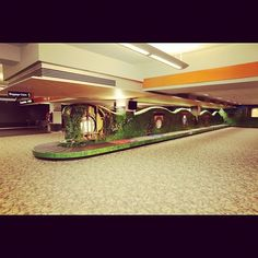 Hobbit themed baggage carousel at Wellington Airport #airnzhobbit