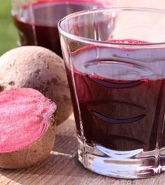 Beetroot has long been known as a healthy source of nutrients, but it's clear now more than ever! Scientific studies reveal astonishing results in cancer patients who are treated with a high concentration of beetroot. Increase Blood Pressure, Blood Pressure Diet, Blood Pressure Remedies, Natural Treatments, Natural Cures, Blood Pressure Supplements, Juicing Benefits, 4 H, Skinny Recipes