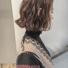 いいね!948件、コメント3件 ― 安藤圭哉 SHIMA PLUS1 stylistさん(@andokeiya)のInstagramアカウント: 「インスタをみて 来ていただきました✂︎ありがとうございます . ファッション感を、感じさせれるヘアを提案します #切りっぱなしボブ に #くせ毛風パーマ…」